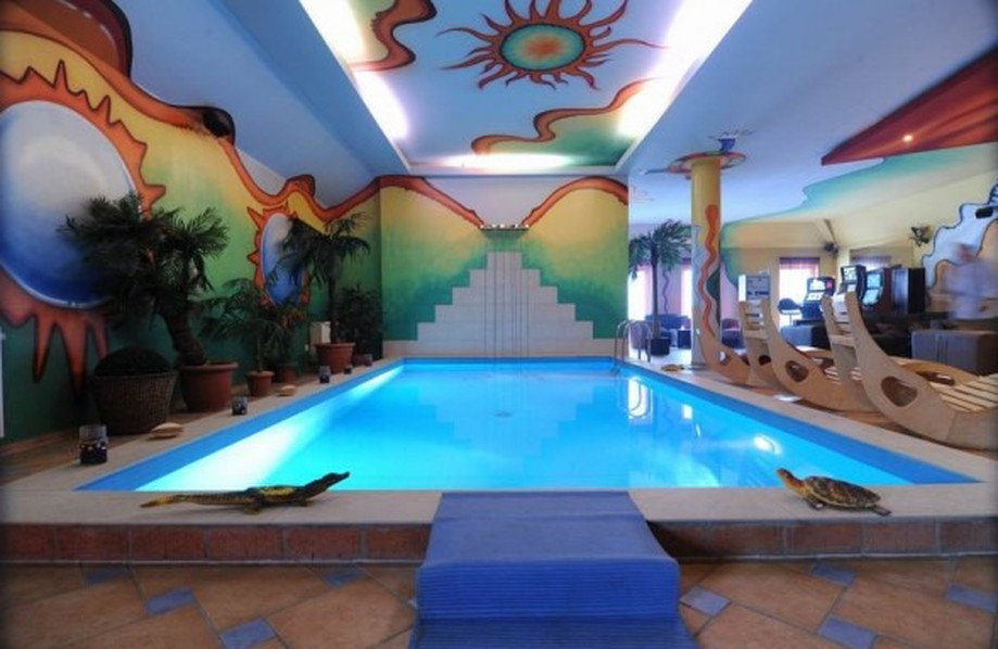 Thai ladyboy chat line