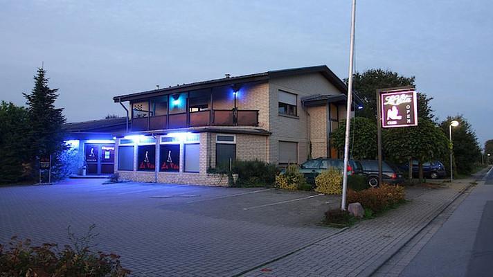Alle FKK-Clubs und Saunaclubs in Deutschland, Österreich